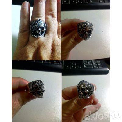 Cincin Zirconia Black Stone Skull Stainless Steel