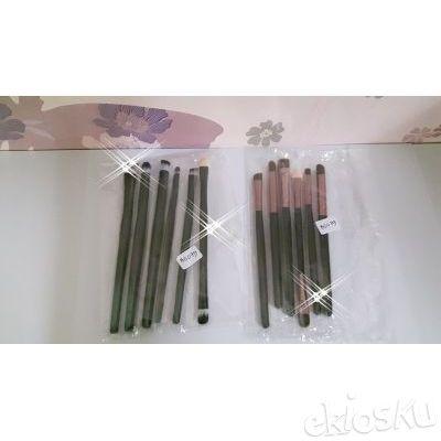 kuas make up , kuas set , brushes set isi 6 bahan bulu sintetis model dompet lipat