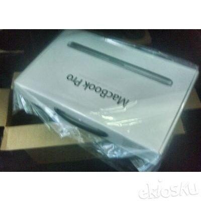 """Apple MacBook Pro 13.3"""" MD101ZA/A BNIB"""